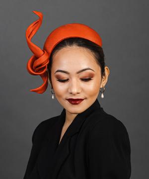 Designer hat Tanager by Louise Macdonald Milliner (Melbourne, Australia)