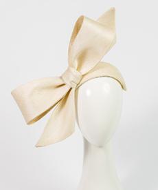 Louise Macdonald Milliner's 2019 collection for Hugo Boss (Melbourne, Australia) - designer hat Elly Bow