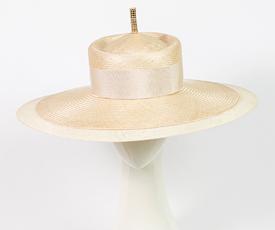 Louise Macdonald Milliner's 2019 collection for Hugo Boss (Melbourne, Australia) - designer hat Natural Como